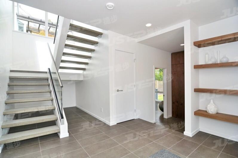 小户型复式楼白色装修组合楼梯设计图